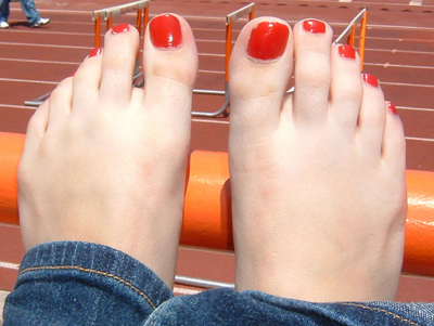 The 14-year-old toes of Andrea Uzkategi of Beverly Hills HS.